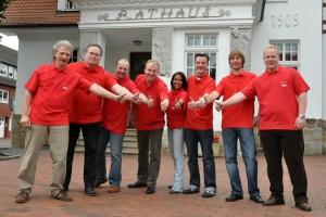 Von links nach rechts: Michael Schneiders, Heinrich Barlage, Luger Wiegmann, Detlef Kolde, Michelle Coort, Dominik Knuth, Oliver Winkler und Sebastian Hüstege.