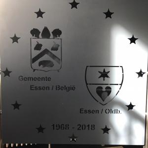 Eintreffen am Rathaus in Essen/Belgien