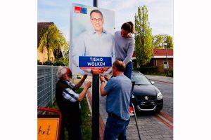 Aufhängen von Plakaten