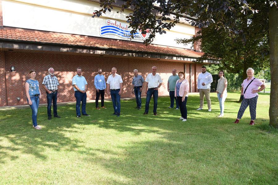 Gruppe vor dem Solebad